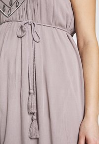 Mara Mea - PALACE OF WINDS - Žerzejové šaty - light grey - 6