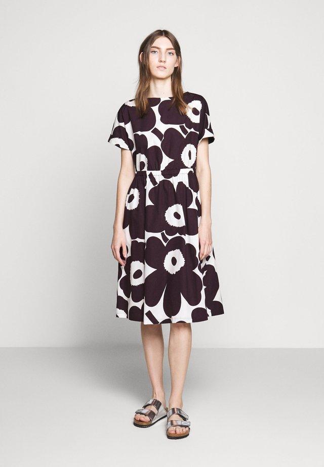 PIIRI UNIKKO DRESS - Day dress - prune/off white