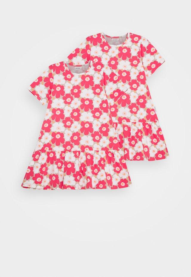IHAILLA UNIKKO DRESS - Jersey dress - beige/pink/white