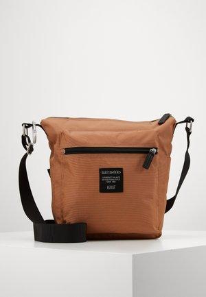 PAL BAG - Across body bag - toasted nut