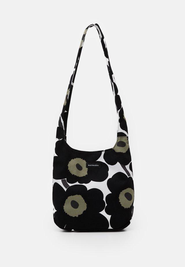 CLOVER BAG - Skuldertasker - white/black