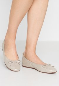 mint&berry wide fit - Ballerina - offwhite - 0