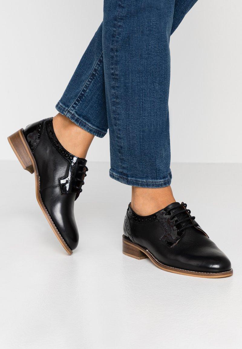 mint&berry wide fit - Šněrovací boty - black