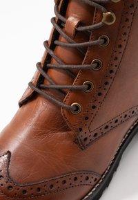 mint&berry wide fit - Lace-up ankle boots - cognac - 2