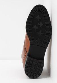 mint&berry wide fit - Lace-up ankle boots - cognac - 6