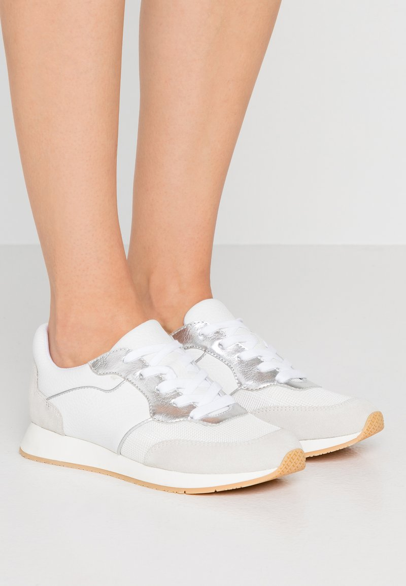 Marc Cain - Sneaker low - white