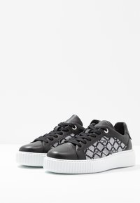 Marc Cain - Sneaker low - black - 4
