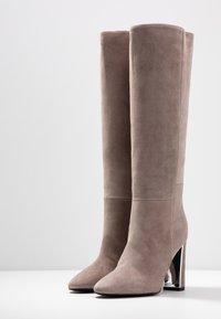Marc Cain - High Heel Stiefel - beige - 4