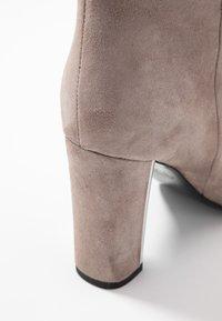 Marc Cain - High Heel Stiefel - beige - 2