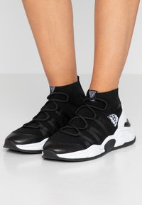 Marc Cain - High-top trainers - black - 0