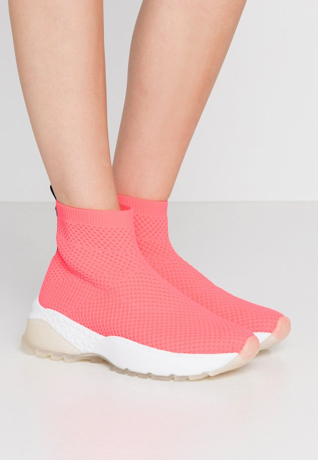 High-top trainers - neon pink