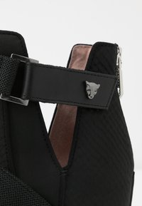 Marc Cain - Kotníková obuv - black - 2