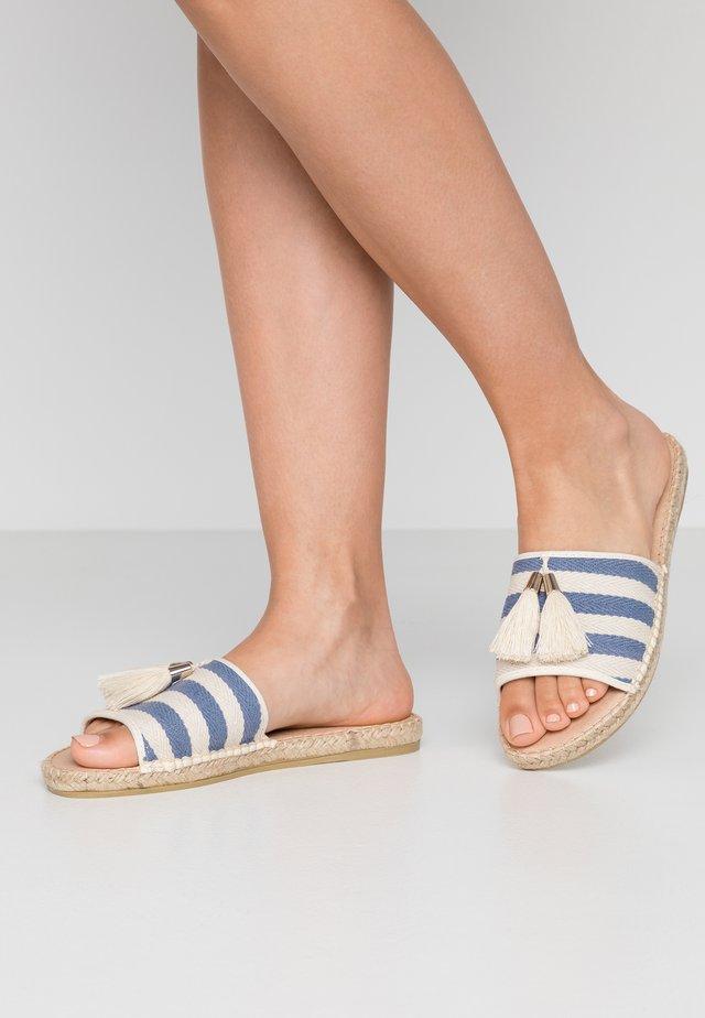 Pantofle - blau