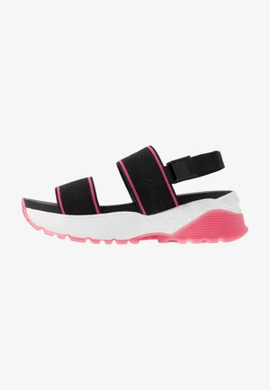 Sandały na platformie - rot