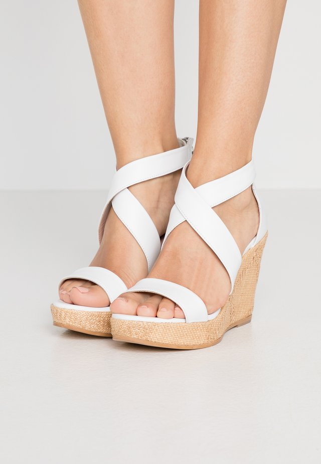 Sandály na vysokém podpatku - weiß