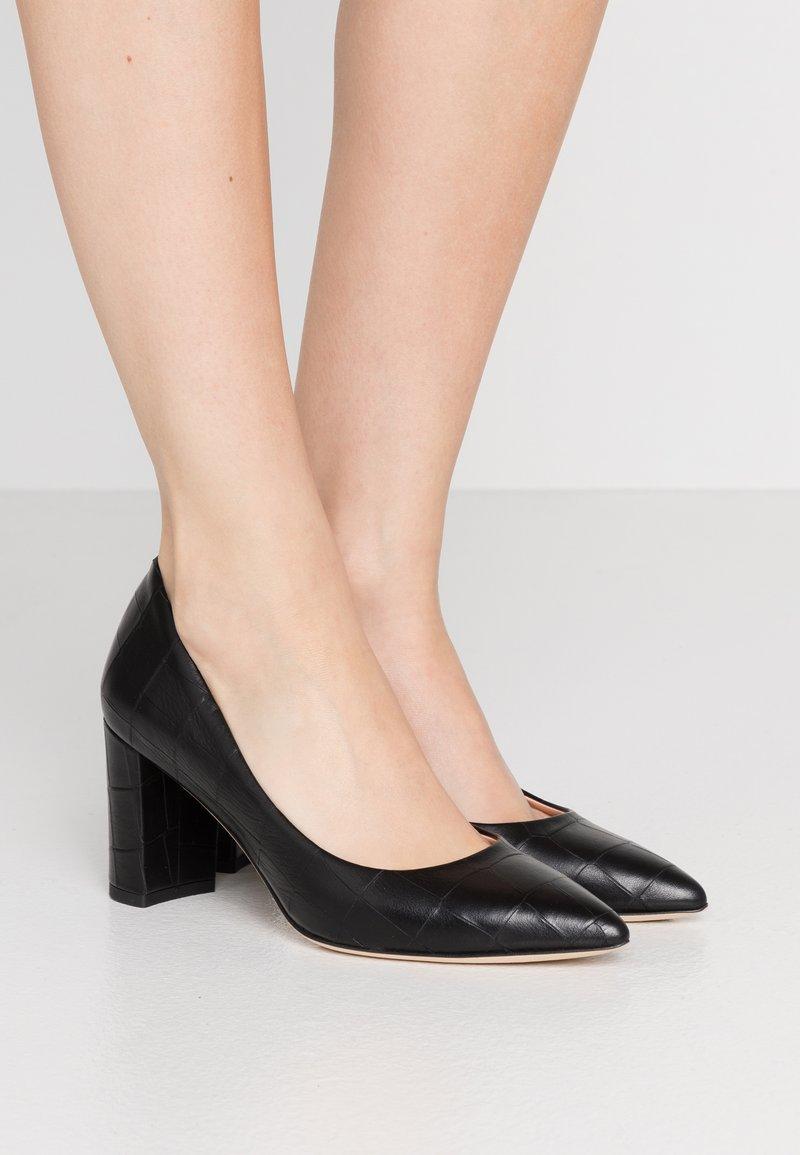 Marc Cain - Classic heels - black