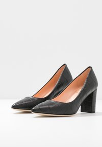Marc Cain - Classic heels - black - 4