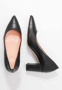 Marc Cain - Classic heels - black - 3