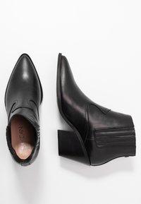 Marc Cain - Kotníková obuv - black - 3
