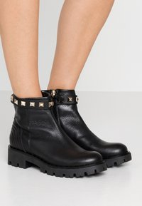 Marc Cain - Ankle Boot - black - 0