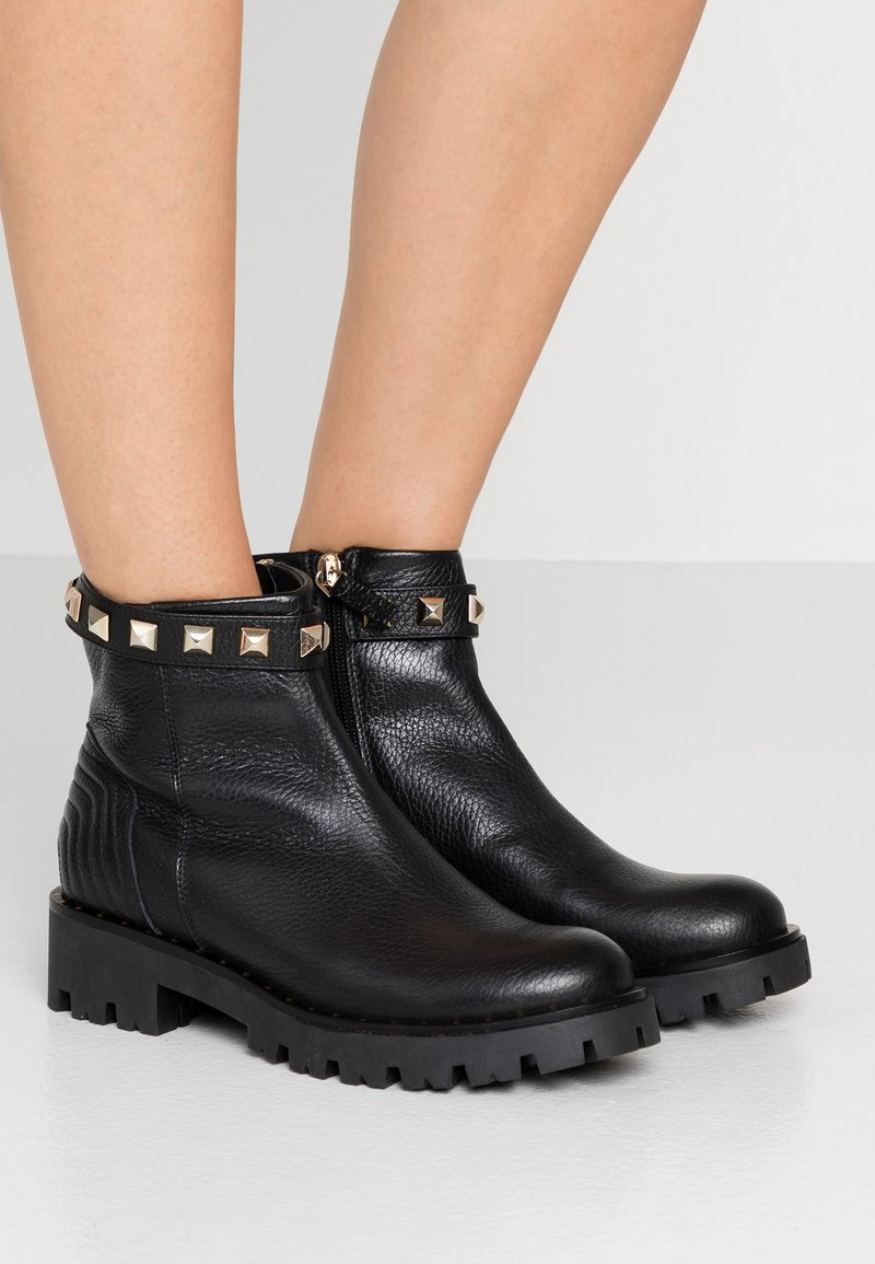 Marc Cain - Ankle Boot - black