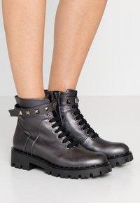 Marc Cain - Cowboy/biker ankle boot - anthrazit - 0