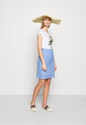 Pouzdrová sukně - light blue