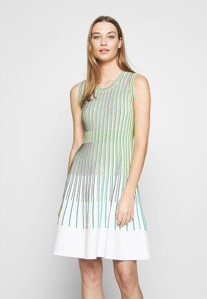 Gebreide jurk - grün