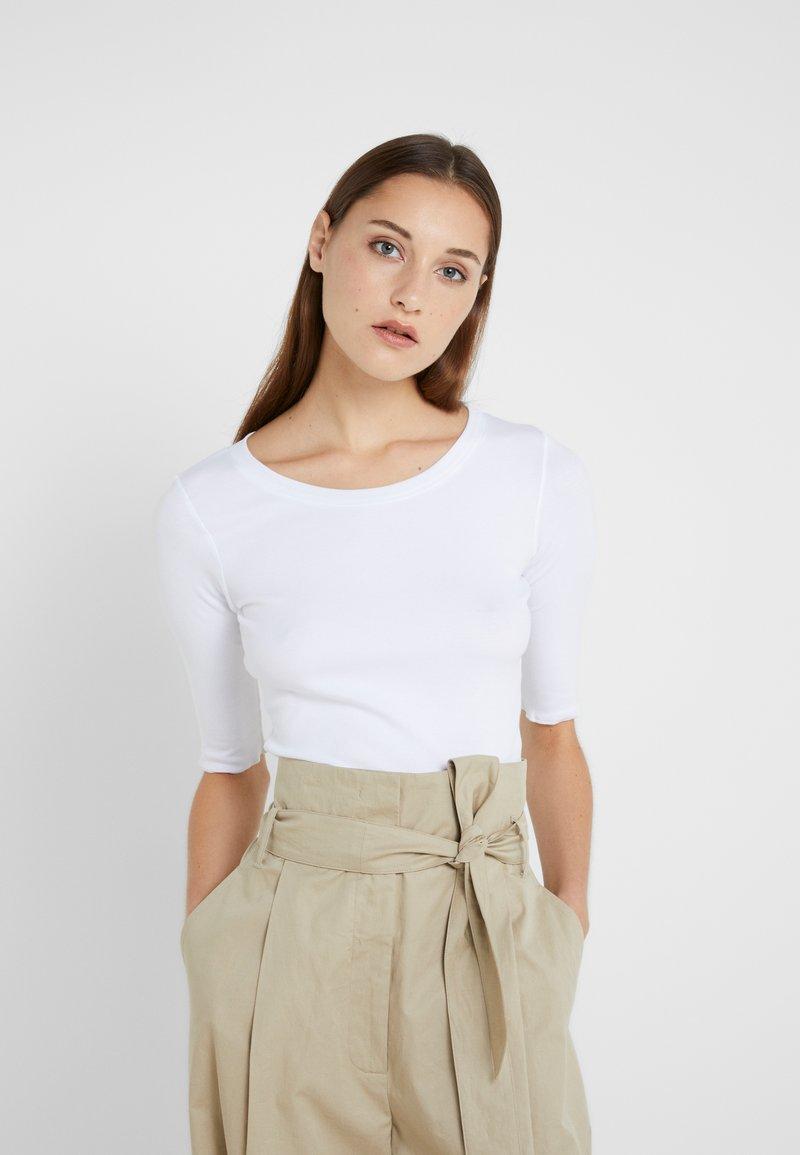 Marc Cain - T-shirts basic - white