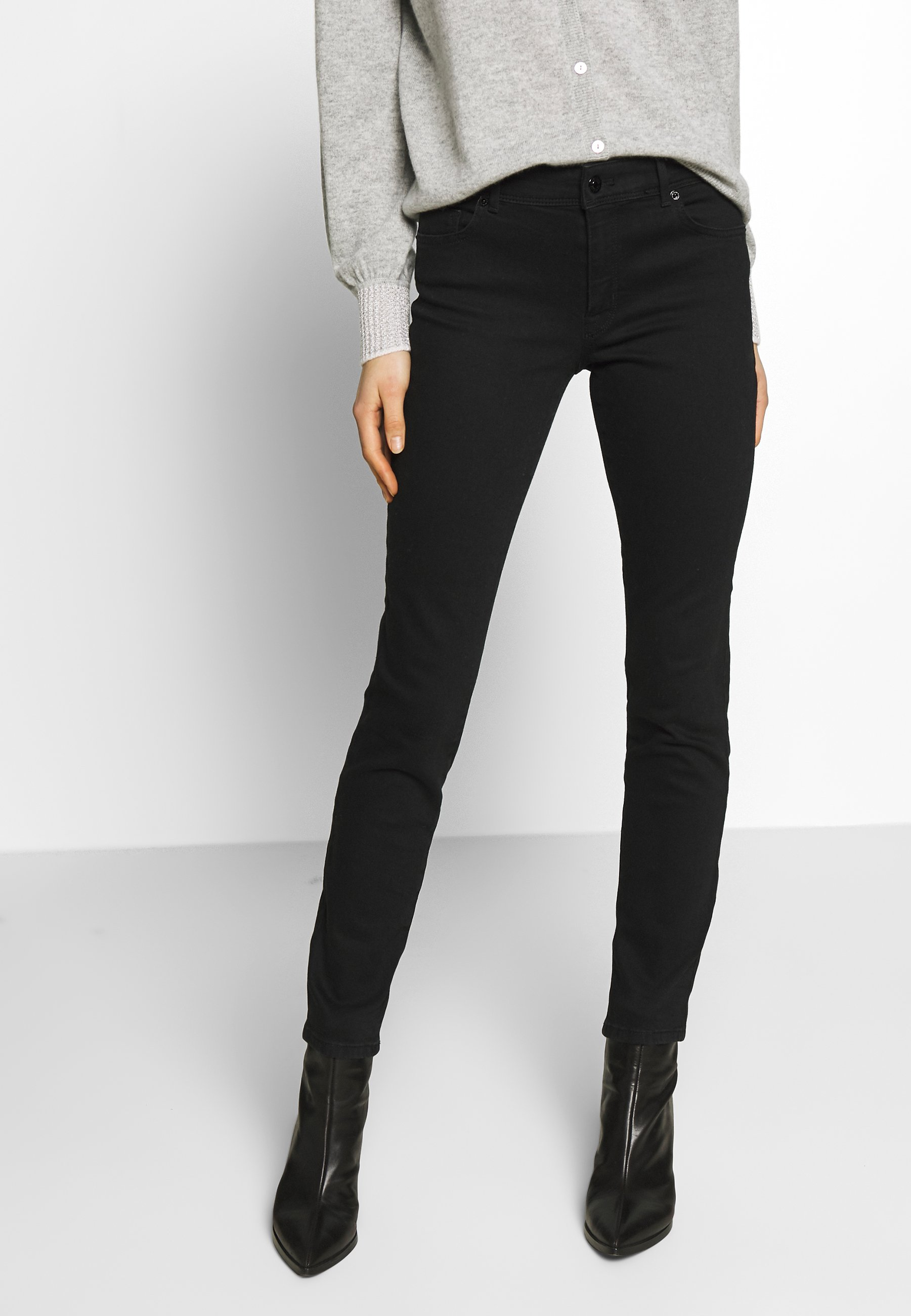 Marc Cain Jeansy Slim Fit - black