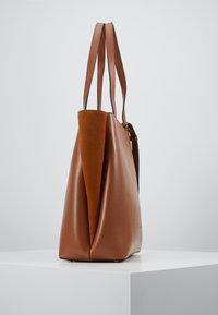Marc Cain - Handbag - cognac - 3