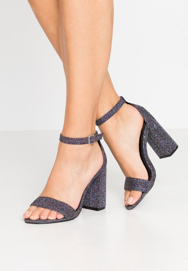 Miss Selfridge Wide Fit - WIDE FIT STEPH BLOCK HEEL BARELY THERE - Sandales à talons hauts - metallic grey
