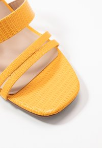 Miss Selfridge Wide Fit - WIDE FIT STORMI BLOCK - Sandaler - yellow - 2
