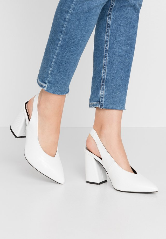 WIDE FIT CARRIE SLING BACK COURT - High Heel Pumps - white