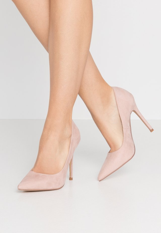 WIDE FIT CATERINA PLAIN COURT SHOE - Høye hæler - nude