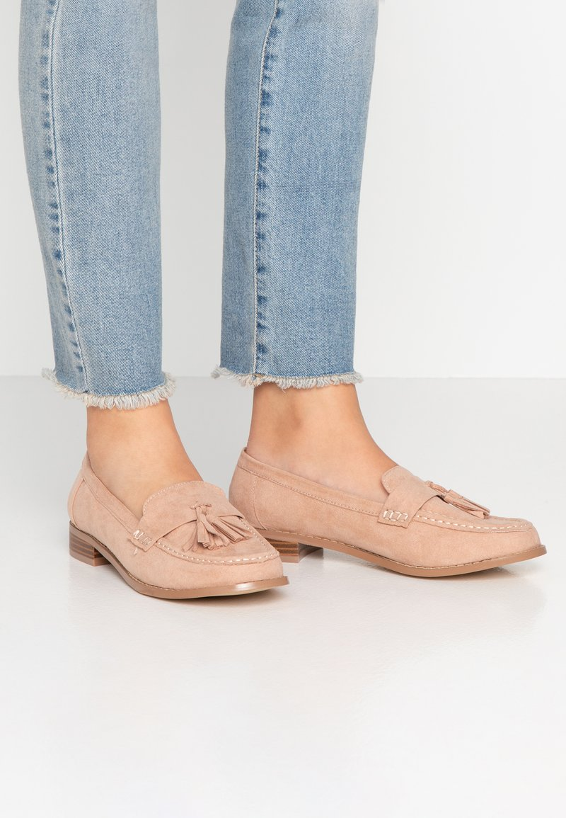 Miss Selfridge Wide Fit - WIDE FIT TASSEL LOAFER - Instappers - pink