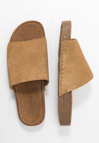MAHONY - CLOE - Pantofle - gold - 3
