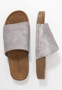 MAHONY - CLOE - Mules - silver - 3