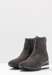 MAHONY - ORISTANO - Wedge Ankle Boots - grey - 4