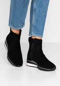 MAHONY - ORISTANO - Wedge Ankle Boots - black - 0