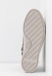 MAHONY - MALMÖ - Platform ankle boots - grey/silver - 6