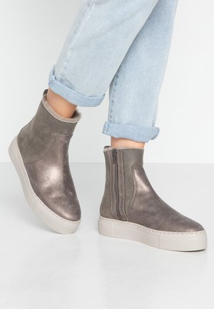 BERGEN - Platform ankle boots - petrol