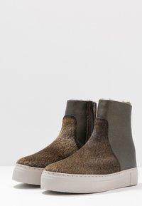 MAHONY - BERGEN - Platform ankle boots - khaki - 4