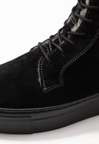 MAHONY - HELSINKI - Platform ankle boots - black - 2