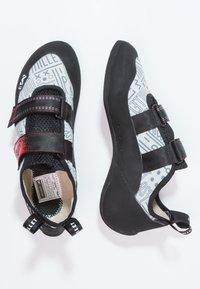 Millet - EASY UP - Lezecká obuv - grey/red - 1