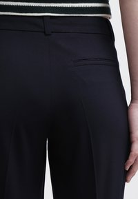More & More - HEDY - Trousers - marine - 5