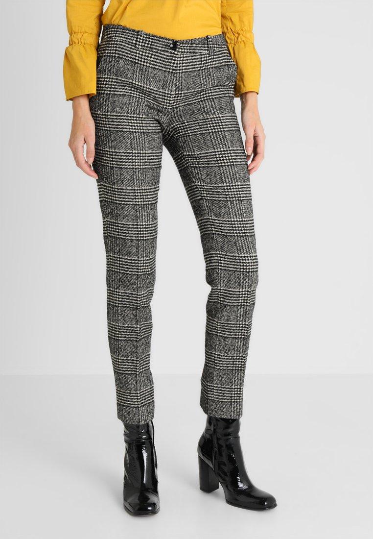 More & More - Pantalones - black