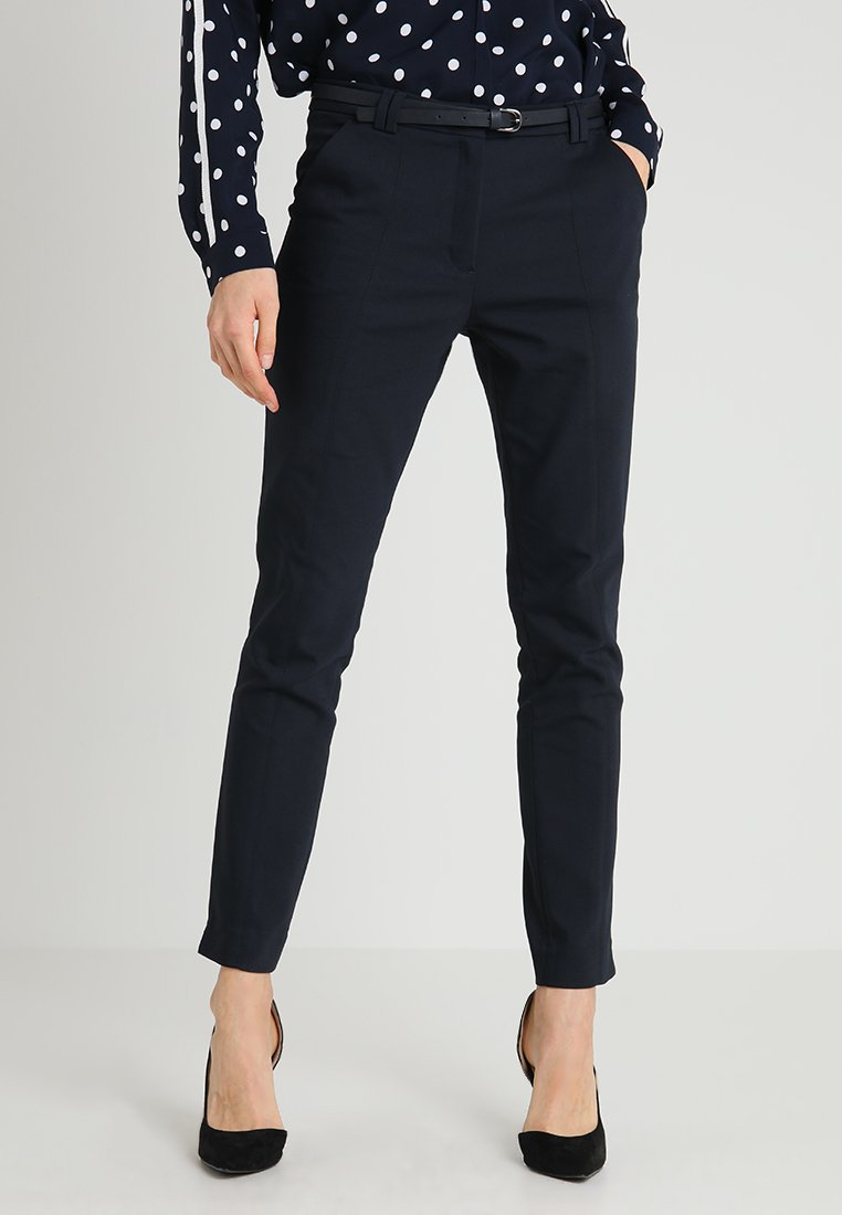 More & More - PANTS WITH BELT - Stoffhose - marine