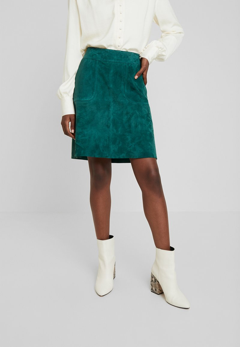 More & More - LEATHER SKIRT - Falda de cuero - emerald green
