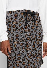 More & More - SKIRT  - Miniskjørt - pumpkin orange multicolor - 4